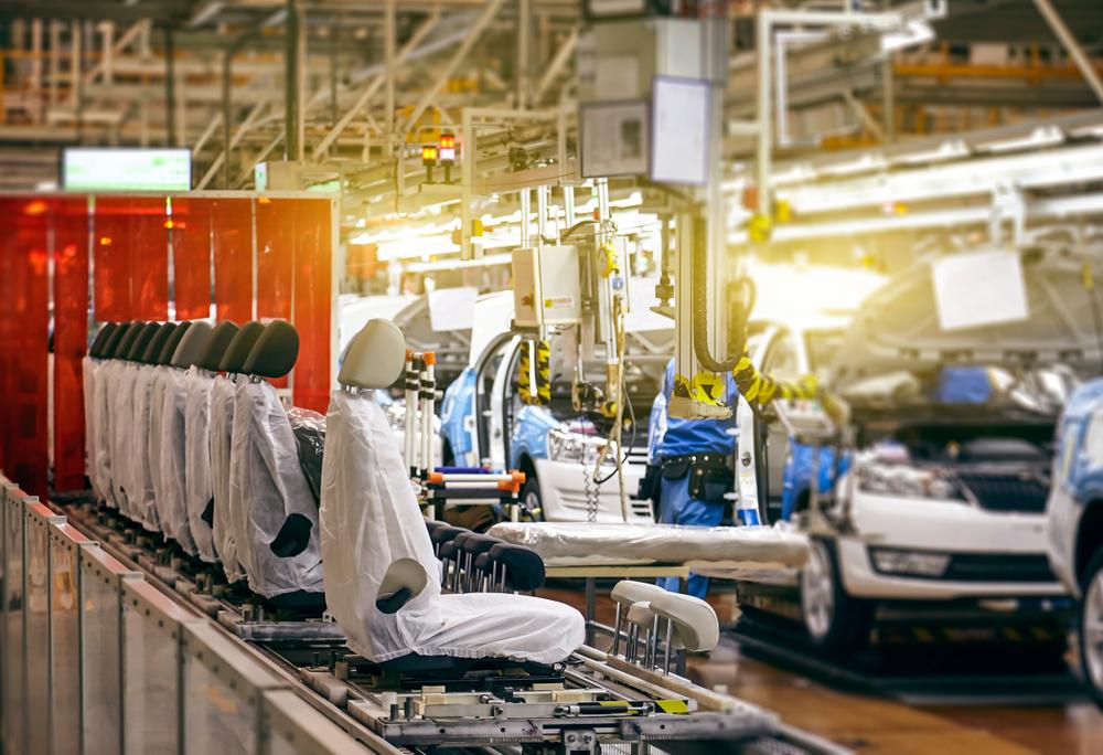 自動車部品の組立装置の事例