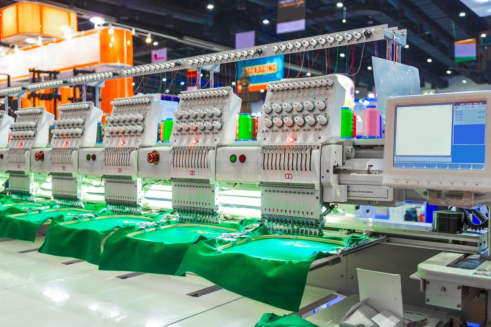 産業用刺繍機